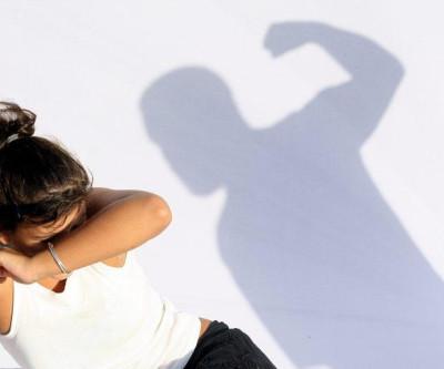 Projeto obriga condomínios a denunciar casos de violência doméstica.