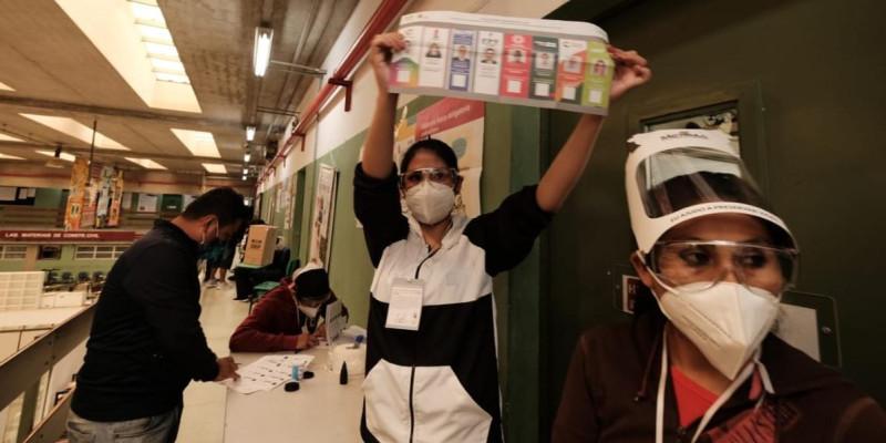 28 mil cidadãos bolivianos residentes no Brasil votaram nas eleições de 18 de outubro