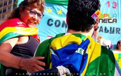 Grupo de bolivianos marcham pelo dia do mar boliviano, repudiando reeleição de Morales