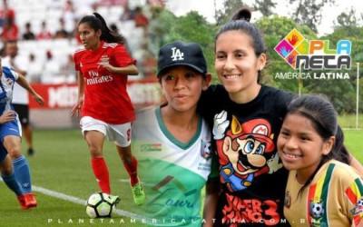 Jogadora de futebol que atua no Benfica na europa, visitou atletas bolivianas em SP